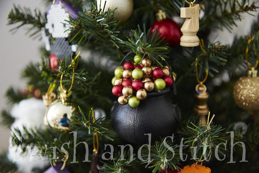 Diy Harry Potter Bubbling Christmas Cauldron Ornaments Swish And Stitch