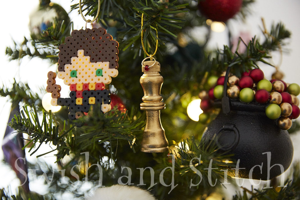 Diy Harry Potter Gilded Wizard Chess Ornaments Swish And Stitch